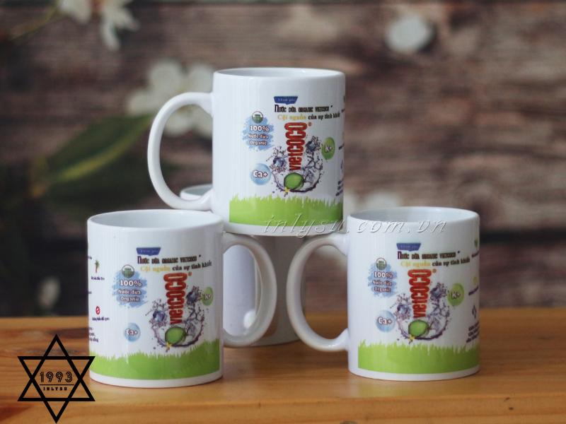 Sản phẩm có thể in hình, in logo lên ly sứ trắng trụ thấp để làm quà tặng