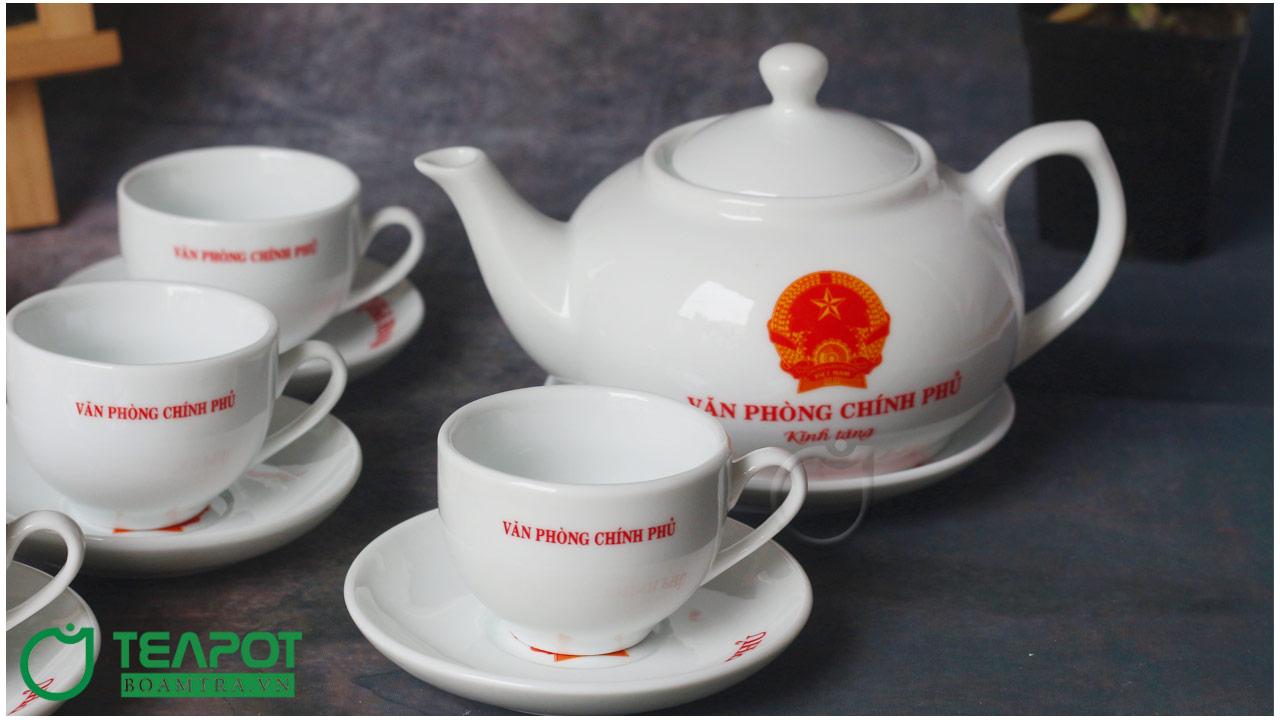 Bộ ấm trà - Quà tết cho khách hàng