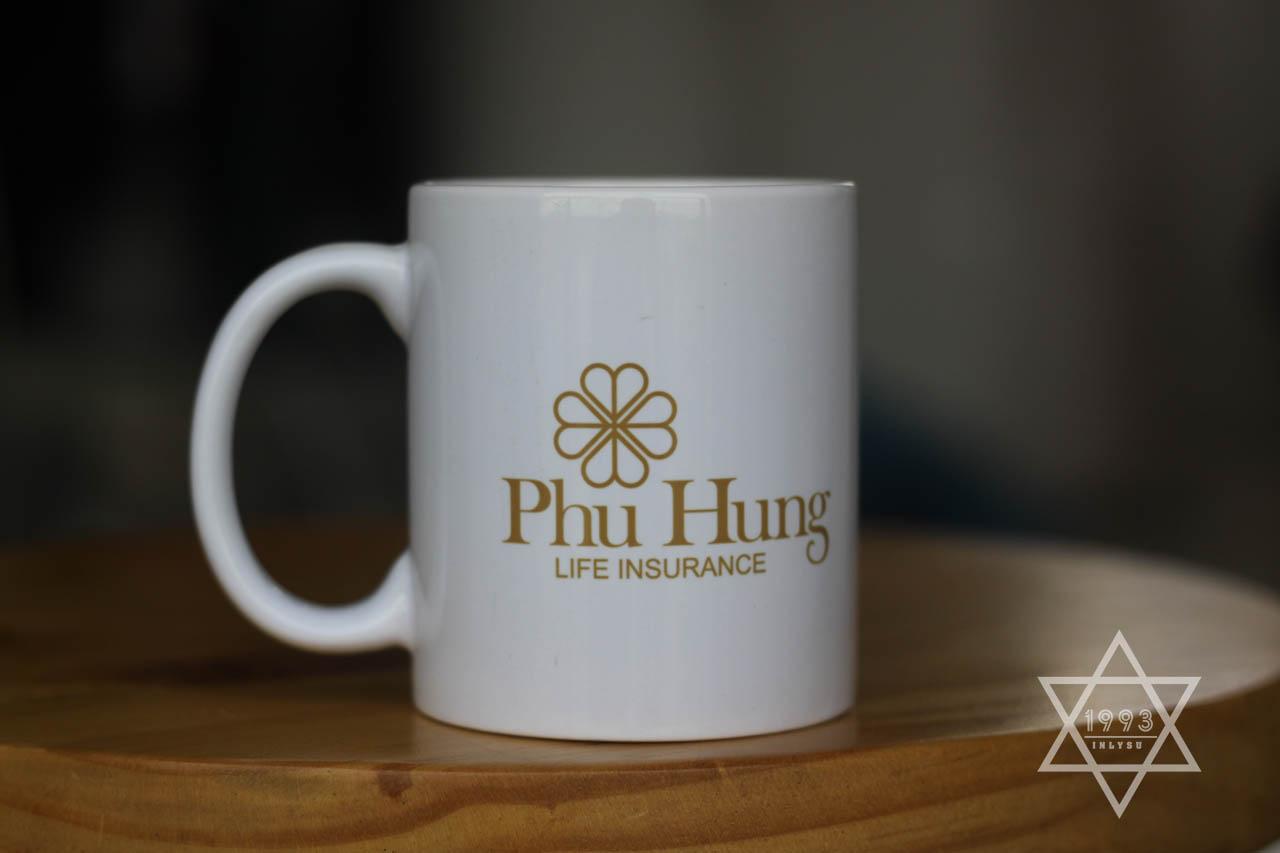 Ly sứ trắng in logo làm quà tặng khuyến mãi cho khách hàng