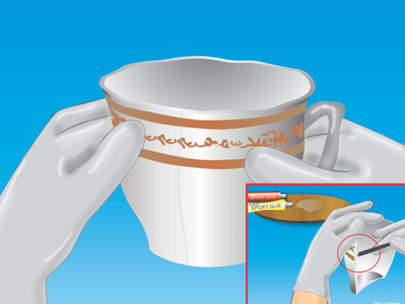 Dùng một cây tăm hoặc bàn chải miết keo vào vết nứt của đồ gốm.